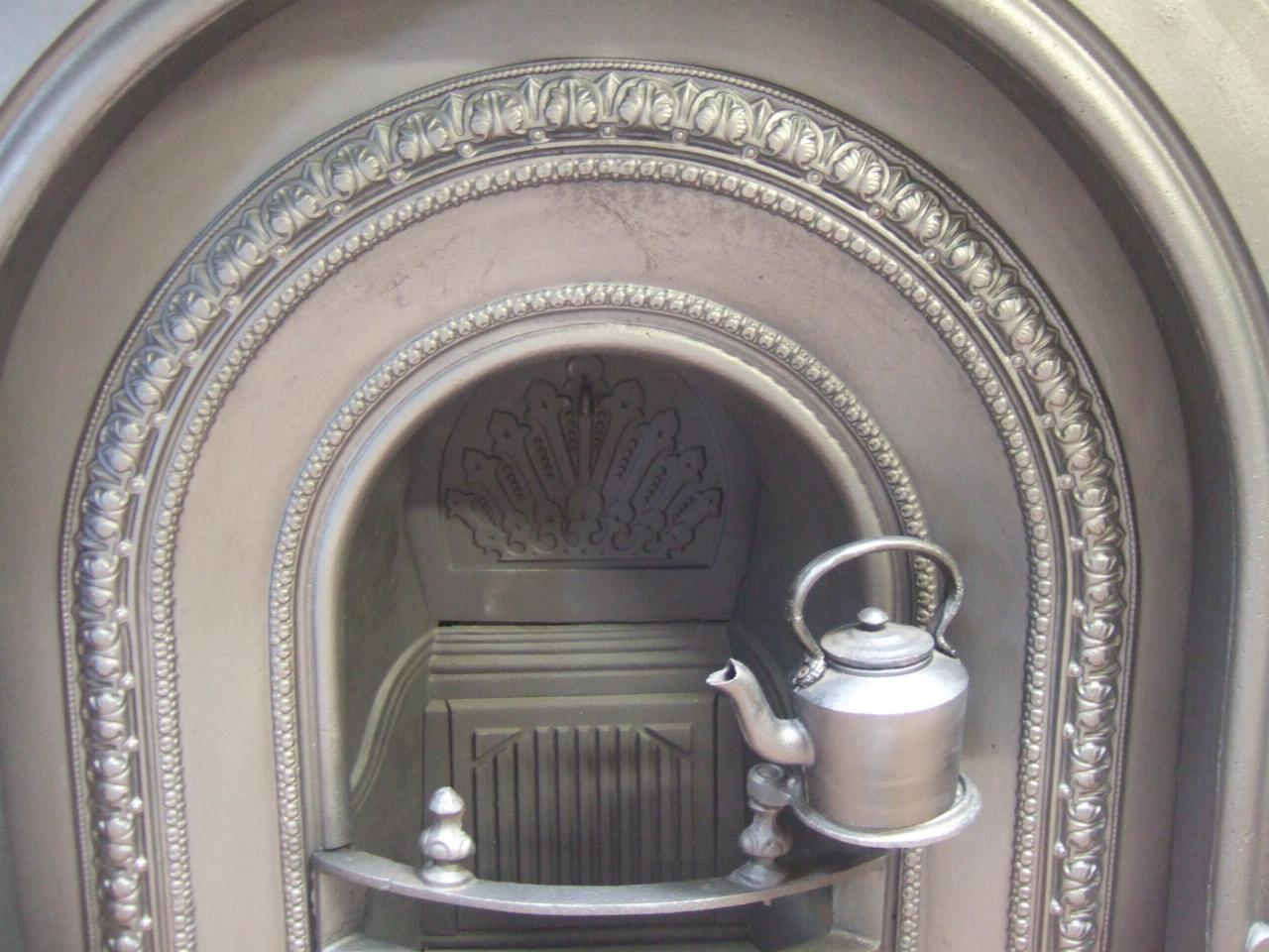 Victorian Cast Iron Surround & Arched Insert - 092CS - Old ...