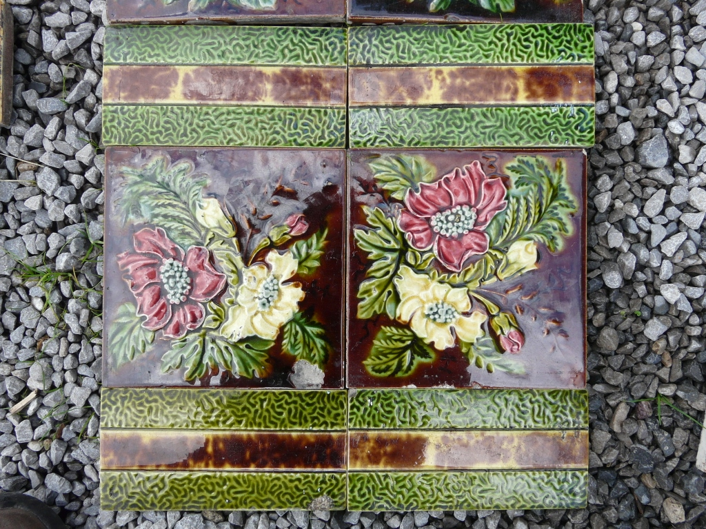 Victorian Majolica Fireplace Tiles - V033 - Old Fireplaces