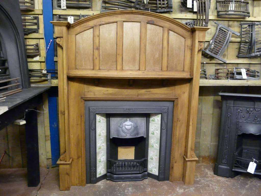 078ws Arts Amp Crafts Pine Fireplace Surround Old Fireplaces