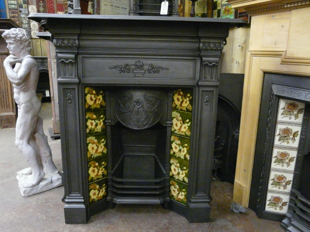 Victorian Tiled Fireplace 1024 x 768