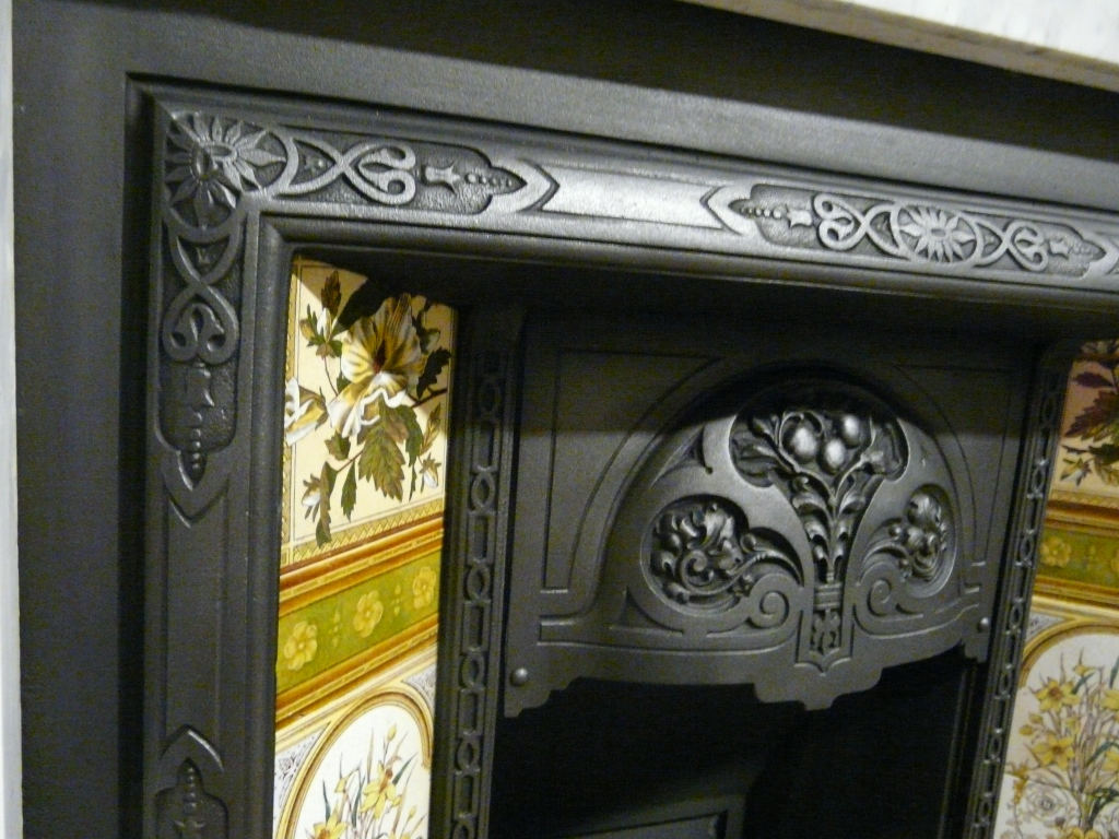 292ti 1312 Victorian Tiled Insert Old Fireplaces