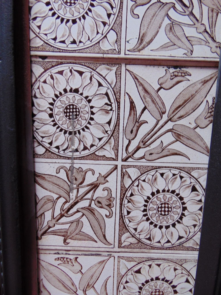 V066 Aesthetic Movement Fireplace Tiles Old Fireplaces