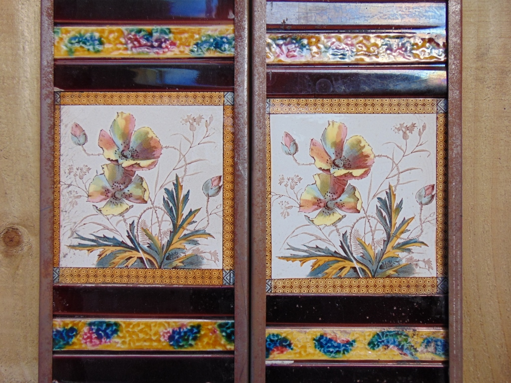 V052-Victorian Fireplace Tiles. - Old Fireplaces