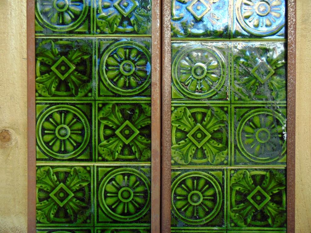 Original Victorian Fireplace Tiles - V062 - Old Fireplaces