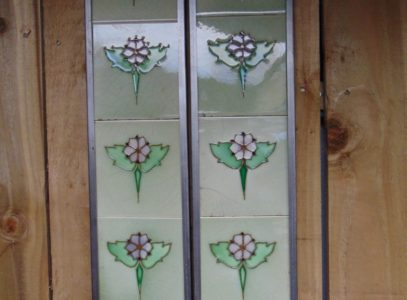 Pale_Green_Stylised_Flower_Tile_AN018